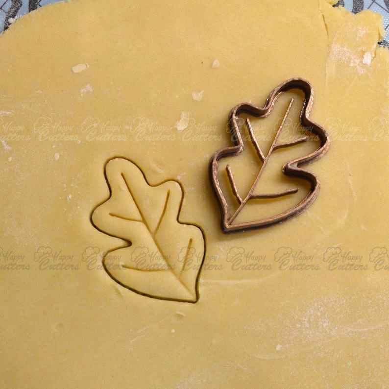 Oak Leaf cookie cutter - Oak cookie cutter - Cookie cutter - Forest cookie cutter - Cutter fondant - Cake design - Leaf Cookie cutter,                       fall cookie cutters, mini fall cookie cutters, wilton fall cookie cutters, leaf cookie cutter, maple leaf cookie cutters, leaf fondant cutter, viking cookie cutter, construction cookie cutters, snowflake cookie cutter set, foot shaped cookie cutter, diy heart cookie cutter, car cookie cutter michaels, sinful cookie cutters, dog biscuit cutters,