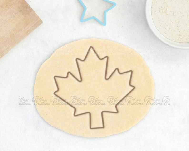 Maple Leaf Cookie Cutter – Fall Cookie Cutter Jungle Baby Shower Cookie Cutter Oak Leaf Canada Cookie Cutter Baby Gift Baby Shower Favor,                       fall cookie cutters, mini fall cookie cutters, wilton fall cookie cutters, leaf cookie cutter, maple leaf cookie cutters, leaf fondant cutter, barbie cutter, fawn cookie cutter, big gingerbread cookie cutter, paw print cutter, wilton cookie cutters michaels, camera cookie cutter, otbp cookie cutters, 60 cookie cutter,